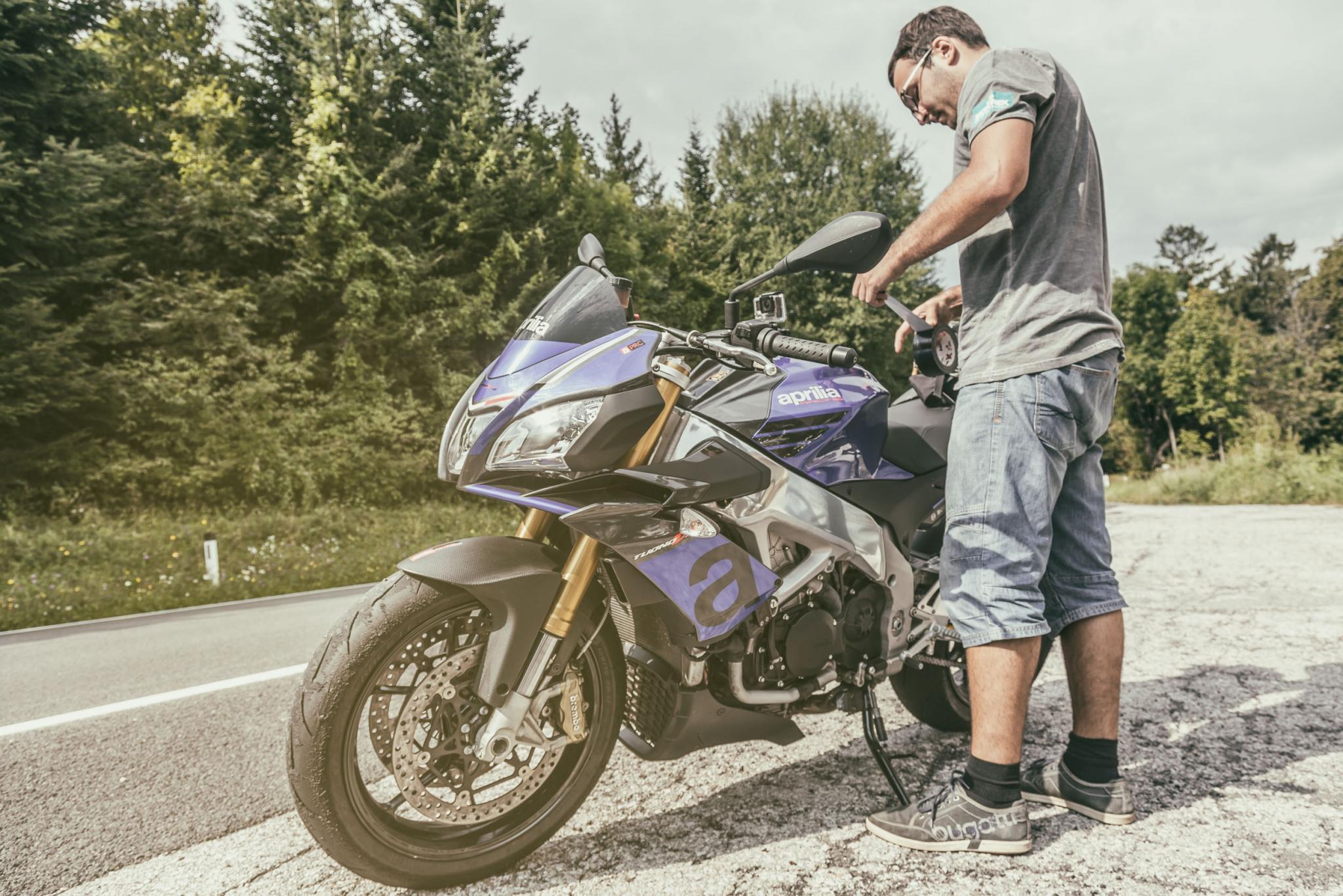 naked bike vergleichstest hinter den kulissen motorrad fotos motorrad bilder. Black Bedroom Furniture Sets. Home Design Ideas