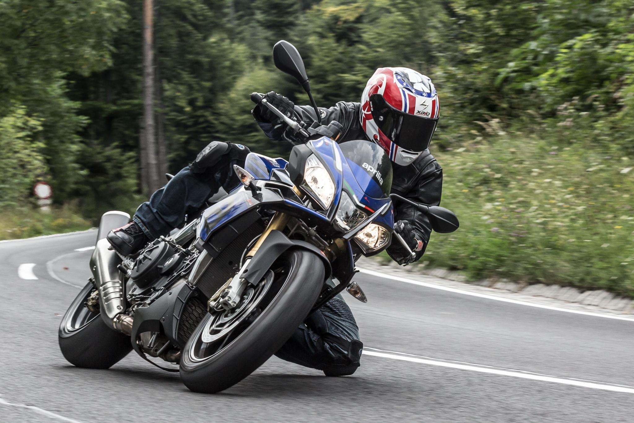 Power Naked Bike Test 2016 - Aprilia Tuono V4 1100 RR vs BMW S 1000 R vs Yamaha MT-10 Foto