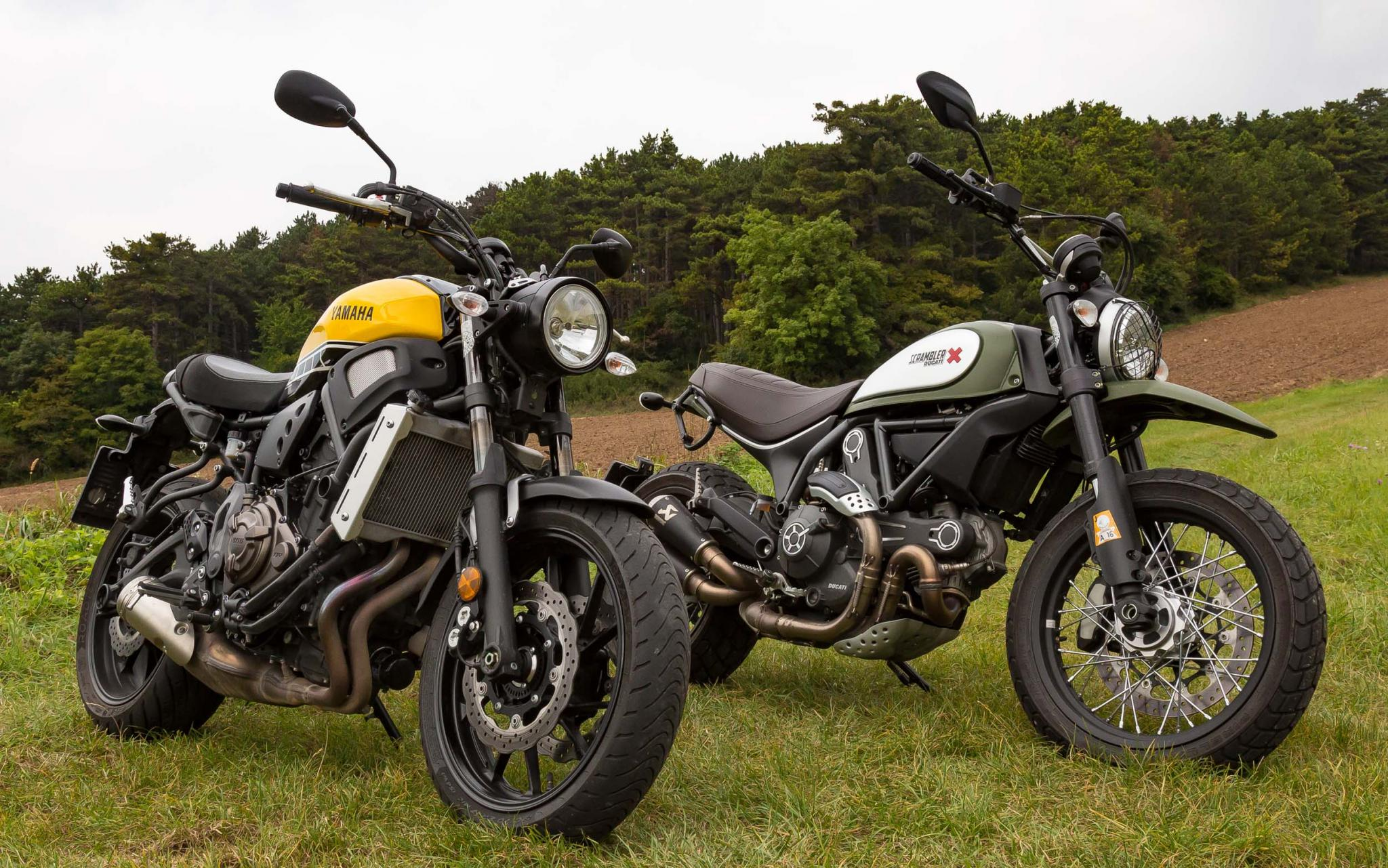 ducati scrambler vs yamaha xsr 700. Black Bedroom Furniture Sets. Home Design Ideas