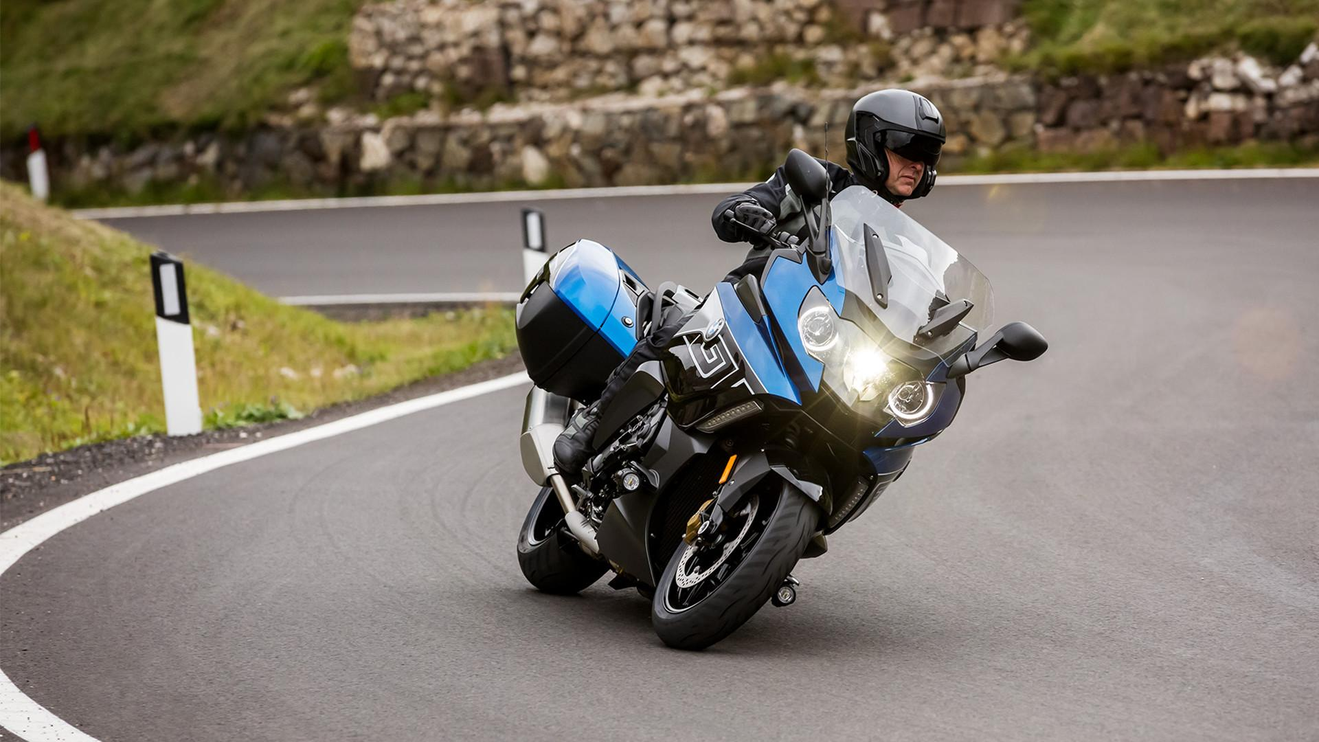 BMW Motorrad Test-Camp Neue Modelle Foto