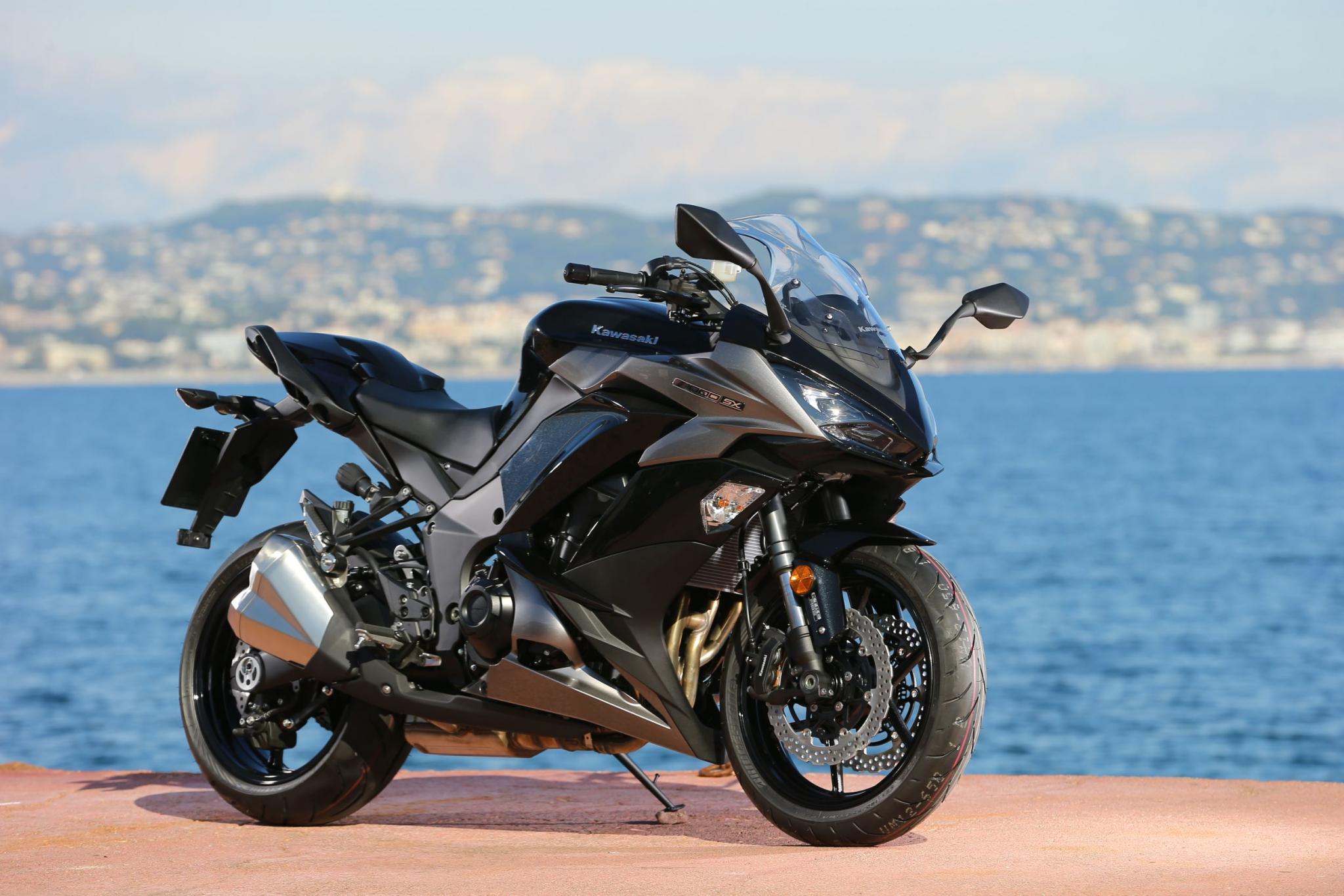 Motorrad Bild Kawasaki Z1000 SX Test 2017