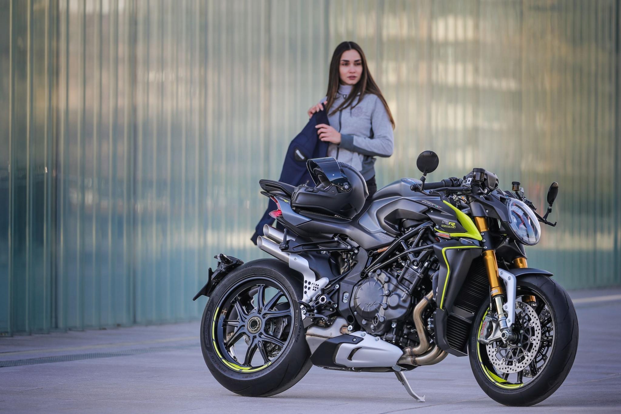 Brutale 1000 RR 2020, 208 CV di potenza nuda - Motociclismo