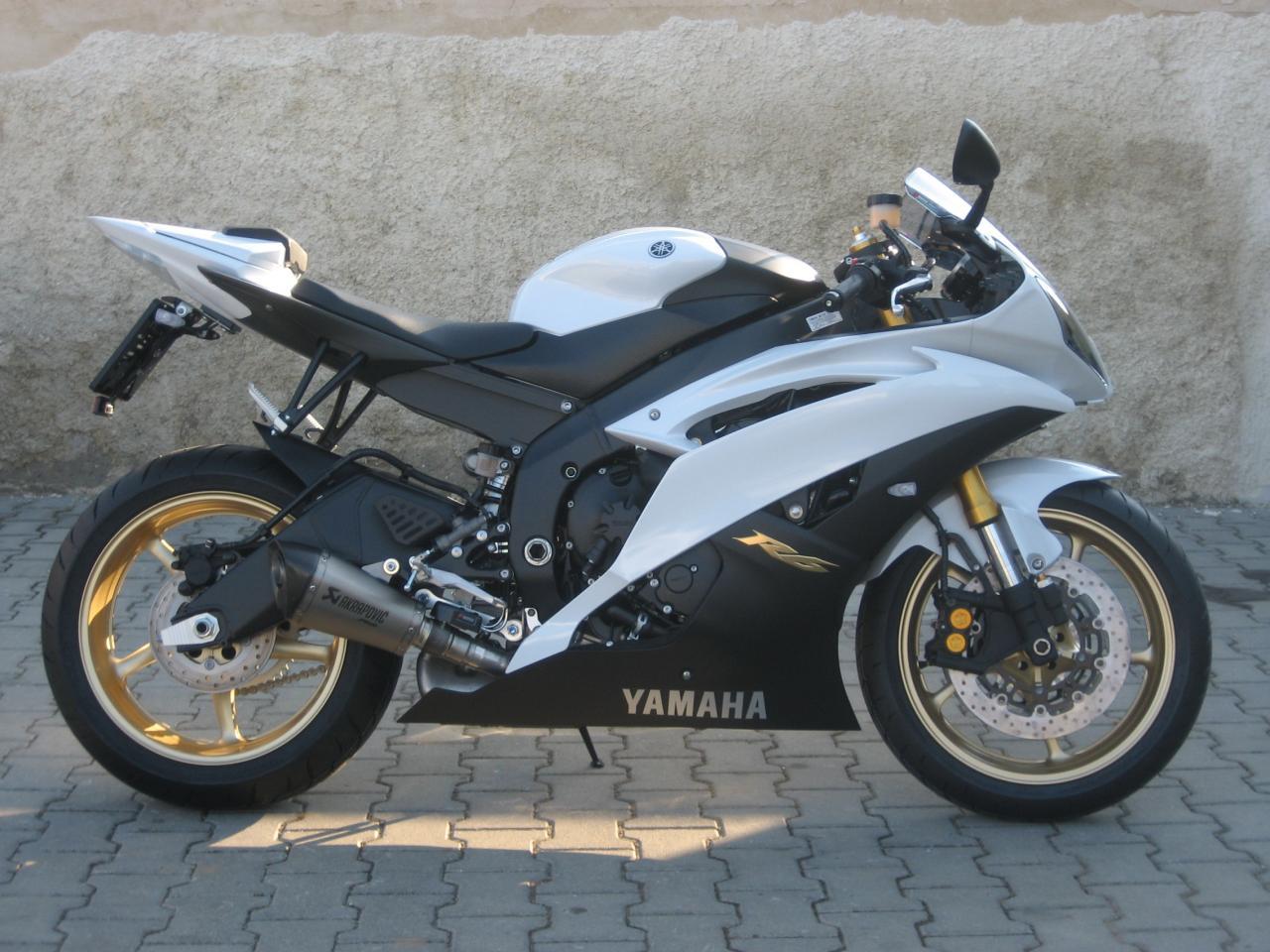 Yamaha Yzf R Akrapovic