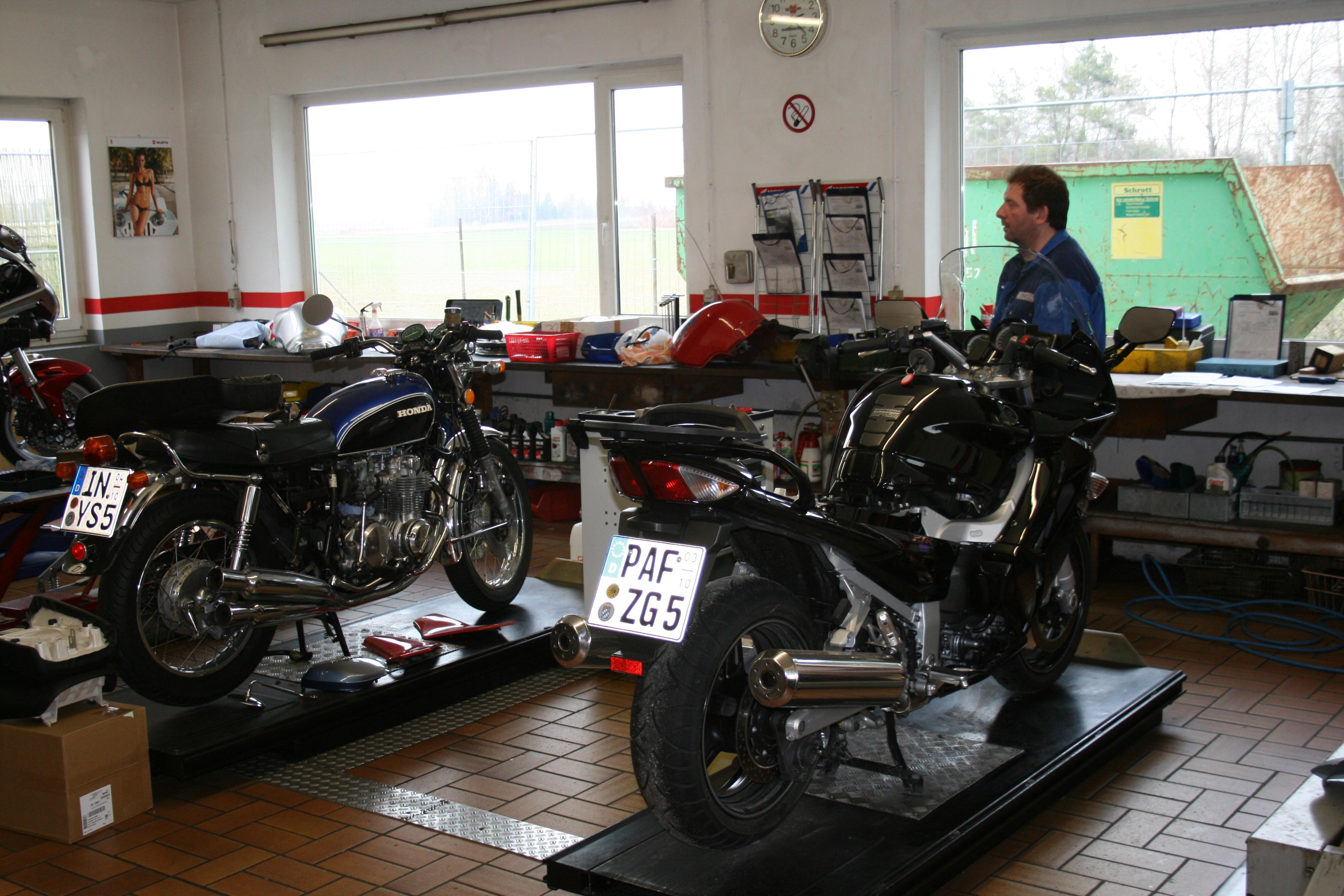 Unternehmensbilder Motorradhaus Schweiger GmbH 2