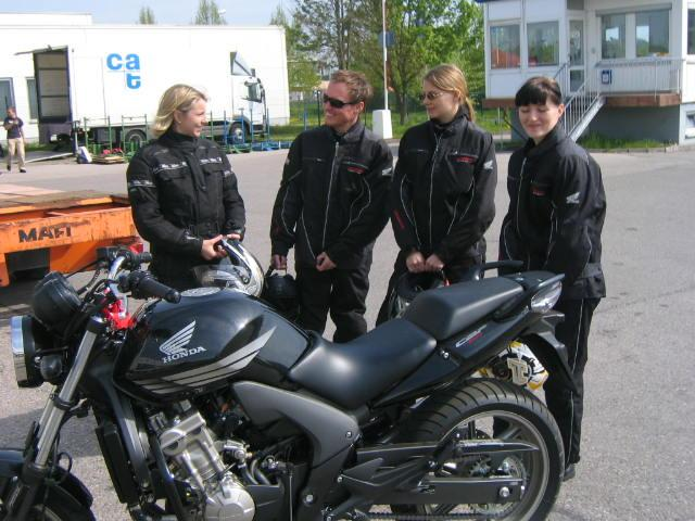 fahren ohne f hrerschein mai 2008 motorrad fotos motorrad bilder. Black Bedroom Furniture Sets. Home Design Ideas