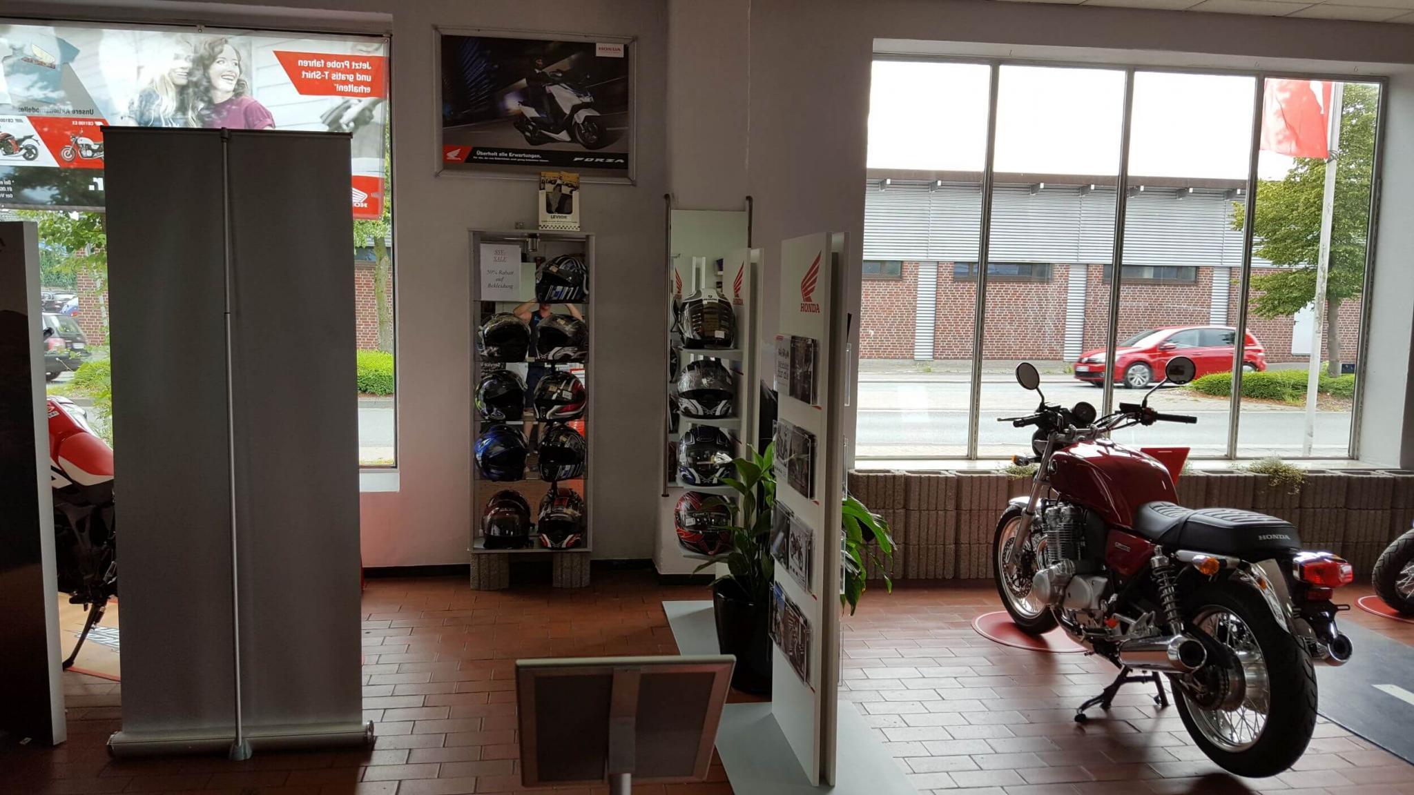 Unternehmensbilder Car & Bike Nissing 9