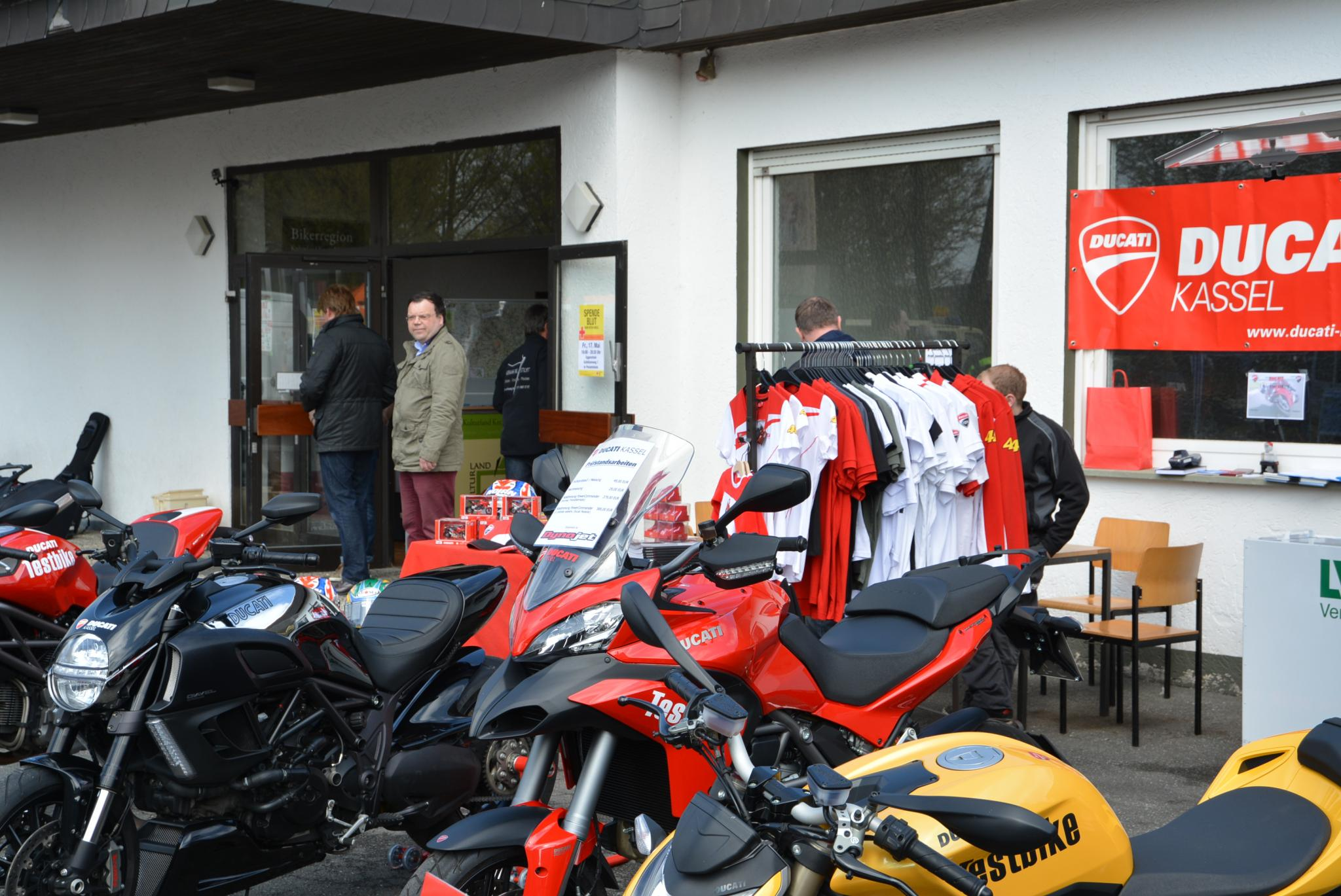 fotos motorrad ducati store kassel 34121 kassel frankfurter str 106 ducati. Black Bedroom Furniture Sets. Home Design Ideas