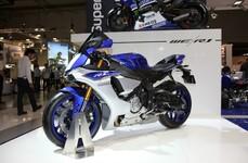 Yamaha YZF-R1 2015 Motorraddetails und erste Zubehörteile