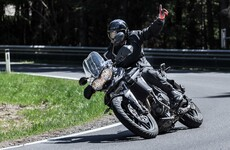 Triumph Tiger 800 XRX | Action & Details