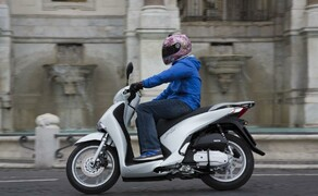 Honda SH125i Action Bild 15