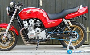 Honda CB750 by Kemeter Bild 1