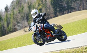 ktm 390 duke actionfotos