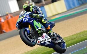 MotoGP Le Mans 2015 Bild 2 Auch sein Yamaha-Teamkollege Valentino Rossi hat wiedermal gut gepokert, nach Startplatz 7 holt er sich den 2. Platz im Rennen.