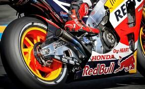 MotoGP Le Mans 2015 Bild 4 Der erfolgsverwöhnte Honda-Pilot Marc Marquez betrieb mit dem 4. Platz wenigstens Schadensbegrenzung, liegt aber nun doch schon 33 Punkte hinter dem WM-Führenden Valentino Rossi.