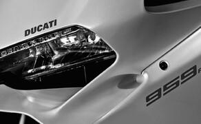 Ducati 959 Panigale Test Valencia Bild 7 Die Front der neuen 959 Panigale ist etwas breiter geworden.