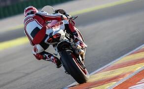 Ducati 959 Panigale Test Valencia Bild 4 Auf der Strecke fuhren wir aber auch eine mit Zubehörteilen aufgebrezelte Version der Panigale.