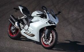 Ducati 959 Panigale Test Valencia Bild 3 Nicht alle Ducatisti mögen die Auspuffanlage an der neuen 959. Diese wurde durch die strengen Euro4 Normen notwendig.