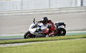 Ducati 959 Panigale Test Valencia Bild 17 Die 959 Panigale ist sehr kräfteschonend zu fahren.