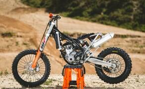 KTM EXC Enduro Palette 2017 - Test Bild 8 90% aller Teile an den Motorrädern sind neu. leichter, schneller und stärker sind kein Slogan oder Werbespruch sondern eine exakte Beschreibung des Modelljahres.