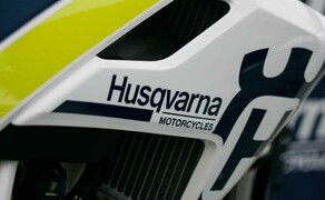 husqvarna testtag auf der motocross rennstrecke in weyer. Black Bedroom Furniture Sets. Home Design Ideas