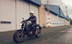 Yamaha Motorrad Farben 2017 Bild 16