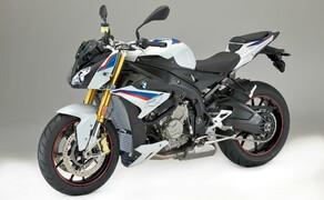BMW S 1000 R 2017 Bild 3 Serienmäßig sorgen Race-ABS und ASC für den doppelten Boden für Wagehälser.