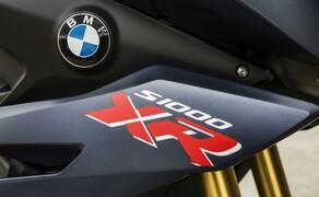 """BMW S 1000 XR 2017 Bild 7 Wer möchte, kann das Dynamik-Paket ordern: Fahrmodi Pro (Dynamische Traktionskontrolle DTC, ABS Pro, Fahrmodi """"Dynamic"""" und """"Dynamic Pro""""), Schaltassistent Pro, Geschwindigkeitsregelung, LED-Blinkleuchten"""