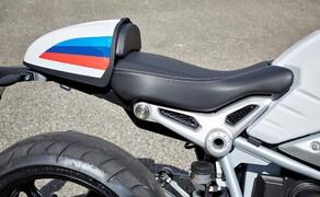 BMW R nineT Racer 2017 Bild 5 Der Rahmen der Racer setzt sich aus vorderer und hinterer Hauptrahmen, sowie einem demontierbaren Soziusrahmen zusammen. Letzterer erlaubt es, die Sitzbank je nach Geschmack zu tauschen und zu verändern und das auf möglichst einfache Art und Weise.