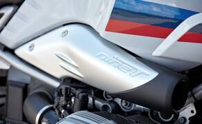 BMW R nineT Racer 2017 Bild 7 Durch die modulare Bauweise der R nineT hat es BMW nicht nur Customizern weltweit leicht gemacht, die in den letzten Jahren unzählige spektakuläre Umbauten auf die Räder gestellt haben, sondern im Endeffekt auch sich selbst.