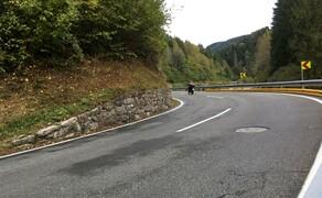 Straßentraining Oktober 2016 Bild 9 Schon längst am Gas wird die Kurve sicher beendet.