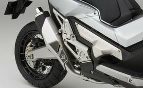 Honda X-ADV  2017 Bild 2 Angetrieben wird der X-ADV wie der Integra vom Achtventil-OHC-Reihenzweizylinder, der 55 PS leistet, in Verbindung mit dem elektronisch geschaltetem Sechsgang-DCT.