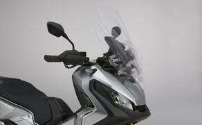 Honda X-ADV  2017 Bild 9 5-fach verstellbares Windschild für zusätzlichen Schutz vor Wind und Wetter.