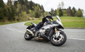 BMW Tests: R 1200 GS, R nineT Urban G/S, S 1000 XR, F 800 GT/R 2017 Bild 13