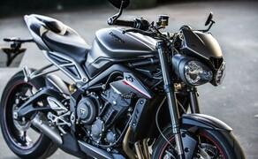 Nakedbike Vergleich - Triumph vs. Yamaha vs. Suzuki Bild 9 Die Triumph bietet Riding-Modi für Regen, Straße, Sport, Rennstrecke und frei konfigurierbare Modi.