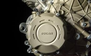 Ducati Panigale V4 - Desmosedici Stradale Bild 2