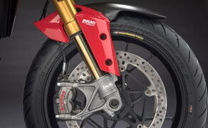 Ducati Multistrada 1260 Bild 8 Dank der Bosch IMU ist auf der Ducati Multistrada auch Kurven-ABS verfügbar. Ebenfalls im Elektronikpaket enthalten: Traktionskontrolle, Berganfahrhilfe, Tempomat und Hands-Free-System (Keyless).