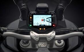 Ducati Multistrada 1260 Bild 9 Das Display der Multistrada gibt sich weiterhin sehr übersichtlich. Während der Fahrt sollten keine Fragen zu aktuellen Fahr- und Leistungsmodus aufkommen.