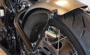 WUNDERKIND-Custom: neue Motorradzubehörteile Bild 7 Frontfender Triumph Bobber vorn Vorderrad montiert