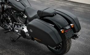 Harley-Davidson Sport Glide 2018 Bild 2 Abnehmbare Verkleidung und abnehmbare Koffer