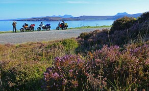 Motorradfahren in Schottland mit Feelgood-Reisen Bild 3 Mit dem Motorrad auf dem North Coast 500 im Nordwesten von Schottland: ganz schön und vor allem ganz schön einsam. © Feelgood Reisen