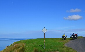 Motorradfahren in Schottland mit Feelgood-Reisen Bild 4 Typisch Single-Track: Die legendären, einspurigen Straßen in Schottland haben vor allem eins: viele Ausweichstellen © Feelgood Reisen