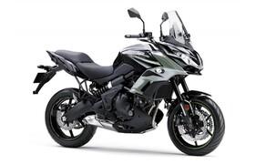 Neue Farben für 2019 Kawasaki Modelle Bild 5 Kawasaki Versys 650: Metallic Moondust Grey/Metallic Flat Spark Black