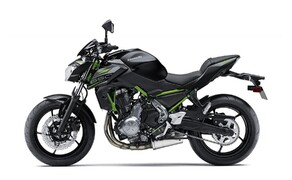 Neue Farben für 2019 Kawasaki Modelle Bild 10 Kawasaki Z650: Metallic Flat Spark Black/Metallic Spark Black
