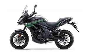 Neue Farben für 2019 Kawasaki Modelle Bild 8 Kawasaki Versys 650: Metallic Spark Black/Metallic Matte Fusion Silver