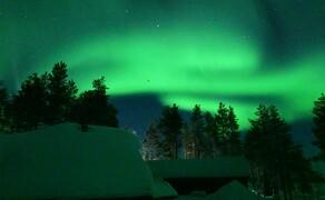 Motorschlitten-Wochenende in Finnland Bild 8 Unvergesslich: Je weiter nördlich man ist, desto größer ist die Wahrscheinlichkeit eines dieser faszinierenden Nordlichter am klaren Nachthimmel zu erleben © Feelgood Reisen