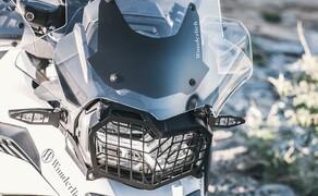 Ruhe bewahren! - Neues Wunderlich Windschild Bild 2 Schluss mit störenden Luftverwirbelungen: Die Wunderlich Verkleidungsscheibe »EXTREME« für die BMW F 850 GS und BMW F 750 GS.