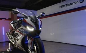 BMW S 1000 RR 2019 Bild 16 Schaltassistent Pro für schnelles Hoch- und Runterschalten ohne Kupplung serienmäßig.