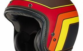 Helmneuheiten 2019  Bild 6 Der neue Arai Urban-V vereint das Design und den Stil eines Vintage-Helms mit dem Schutz, den man von Arai Produkten gewohnt ist. Auf die Optik wurde großen Wert gelegt, weshalb Leder-Oberflächen mit sichtbaren Nähten Verwendung finden und das Innenfutter klassisch bestickt wurde.