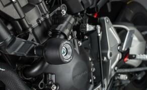Lightech Zubehör für die Honda CB1000R Bild 2 Die LighTech Crashpads (87,00 €) verhindern Schäden auf deinem Fahrzeug durch das patentierte Crashpadsystem inkl. Gummi Dämpferring.
