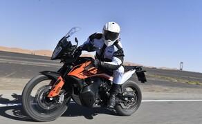 KTM 790 Adventure R Test Bild 4 Beide Modelle wiegen 209 kg vollgetankt
